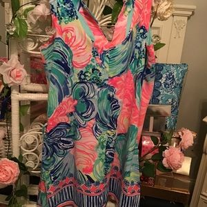 Beautiful Lilly romper hard to find ! Size 8